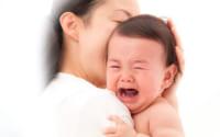 Mẹ ít sữa con quấy khóc